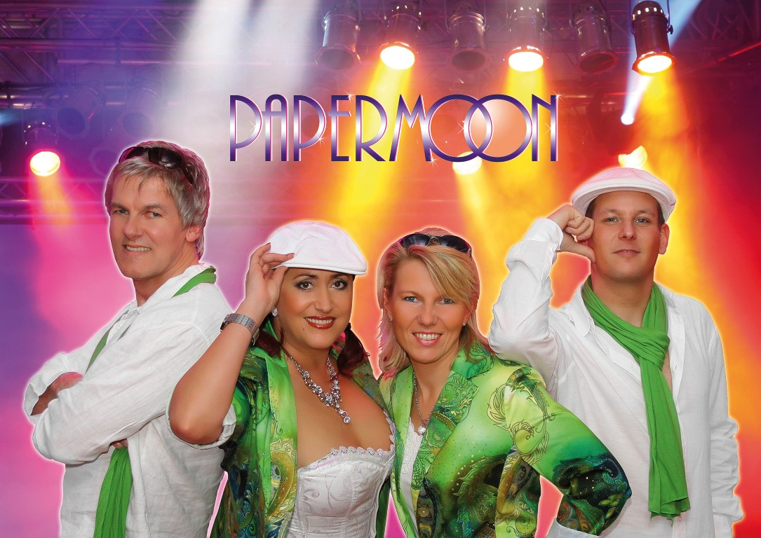 PAPERMOON Showband